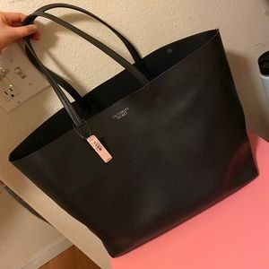 Victoria's Secret large getaway leather tote 🖤